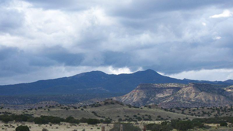 Image 4. A southwest view of Mount Taylor {Navajo =Tsoodził] as seen from the village of Encinal, New Mexico [USA]. Photo by Charles e xavier.