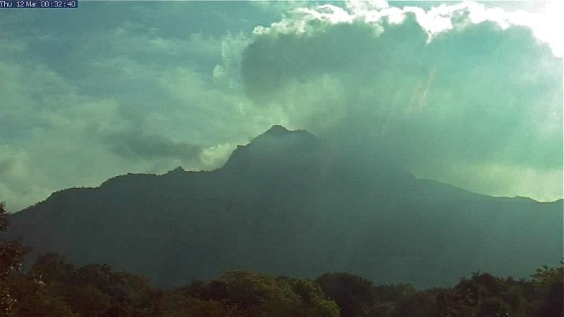 Image 9. Mount Arunachala, the Hill of Light (from the Arunachala-Live Photo Gallery). (title by author) With kind permission from Arunachala-live (http://arunachala-live.com). March 12, 20??.